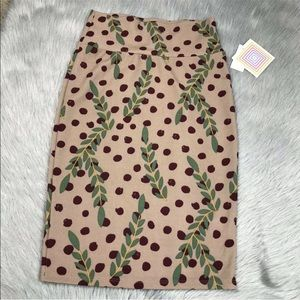 Lularoe Cassie pencil skirt berries leaves XS